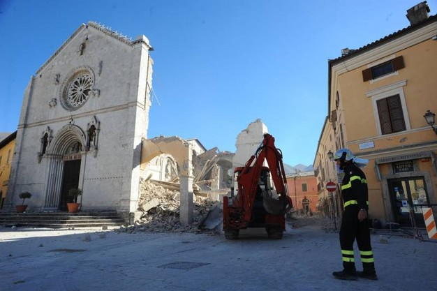 The church after the quake. Courtesy of quotidiano.net